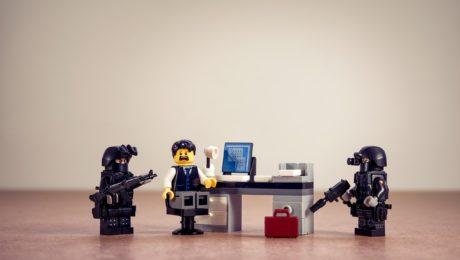 garde à vue licenciement prévenir son employeur